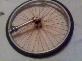 переднее колесо,ступица, поворотный узел .