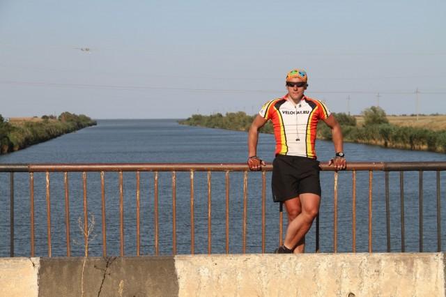 Соло на мосту через канал фото Бориса Карраско-Касьяненко