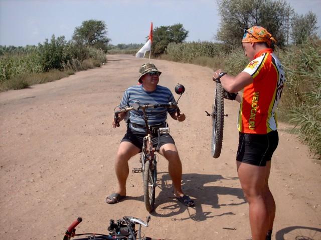 Соло клеит колесо Фото: Алексей