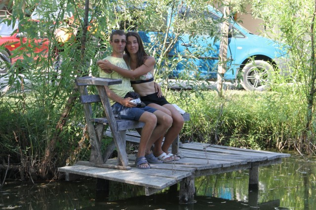 Алексей и Карина на причале Фото: Соло