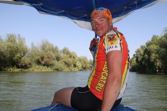 Соло на носу лодки Фото: Борис