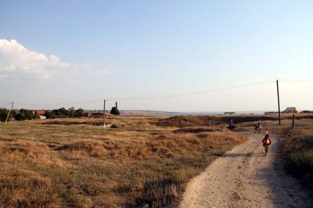 Подъезжаем к лагерю археологов фото :Соло