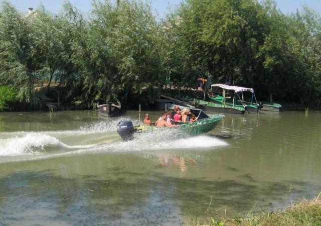 Экскурсия на моторной лодке