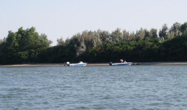 Экскурсионные лодки на острове