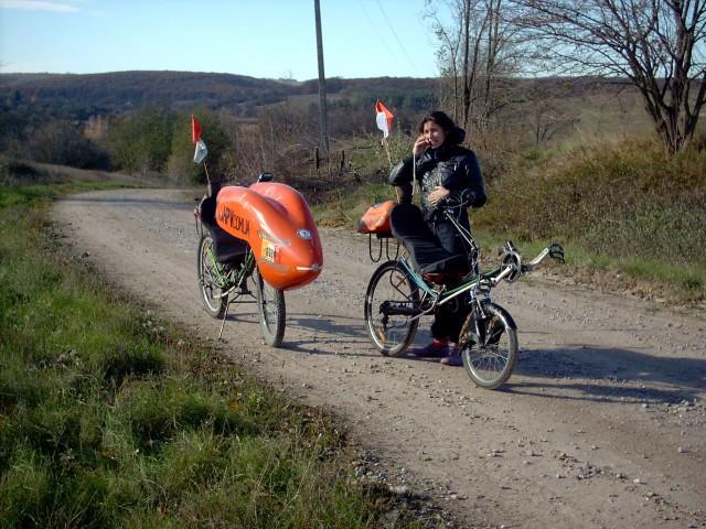 """Карина с """"Колумбом Н"""" и Магеллан на выезде из нашего села"""