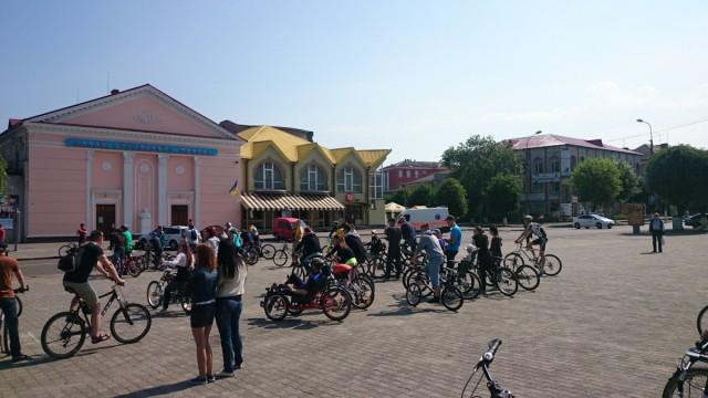 Підготовка до велопараду.
