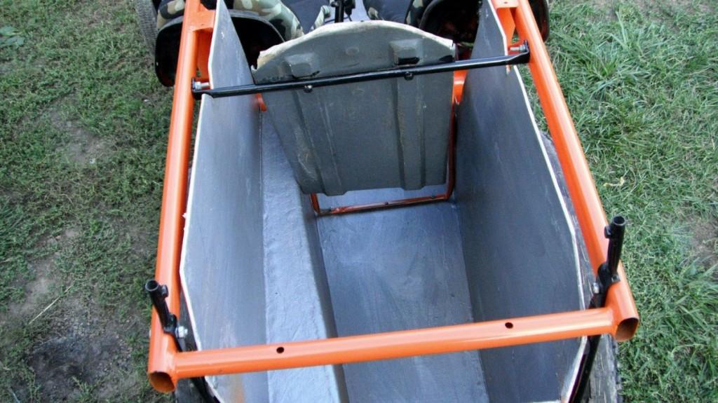 Кузов для основного багажу позаду дитячого сидіння
