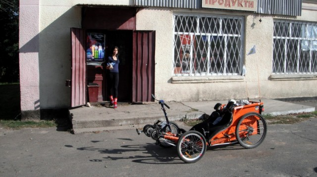 Каріна в магазині Новоселиці