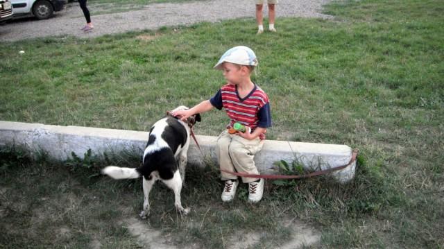 Антон - любитель собачок
