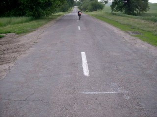 Метка №2. Лигерад стоит на 20 метров дальше метки. Это разница пройденного пути при одних и тех же показаниях велокомпьютера, но с разной загрузкой колеса