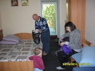 Александр Ганшин, Семён и Карина в номере
